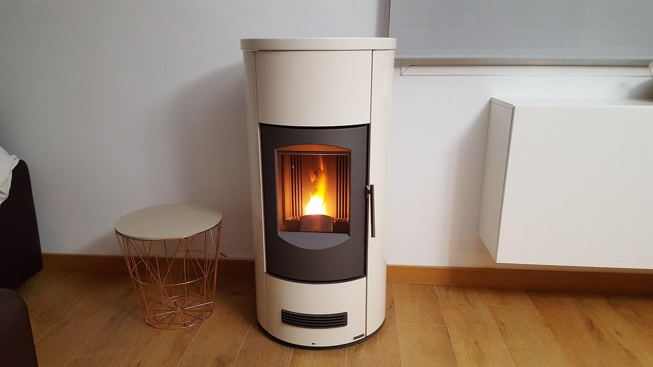 Pellet stove piazzetta p158t white round 8 6kw real - Estufa de pellets ...